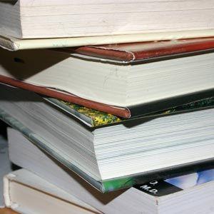 La Generalitat Valenciana no paga les ajudes a llibres de text de escolars
